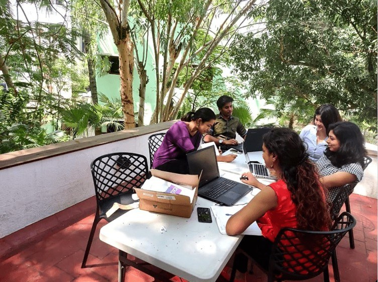 Promotes a Healthy Work Environment - Top 5 Benefits of Green Coworking Spaces - Qdesq
